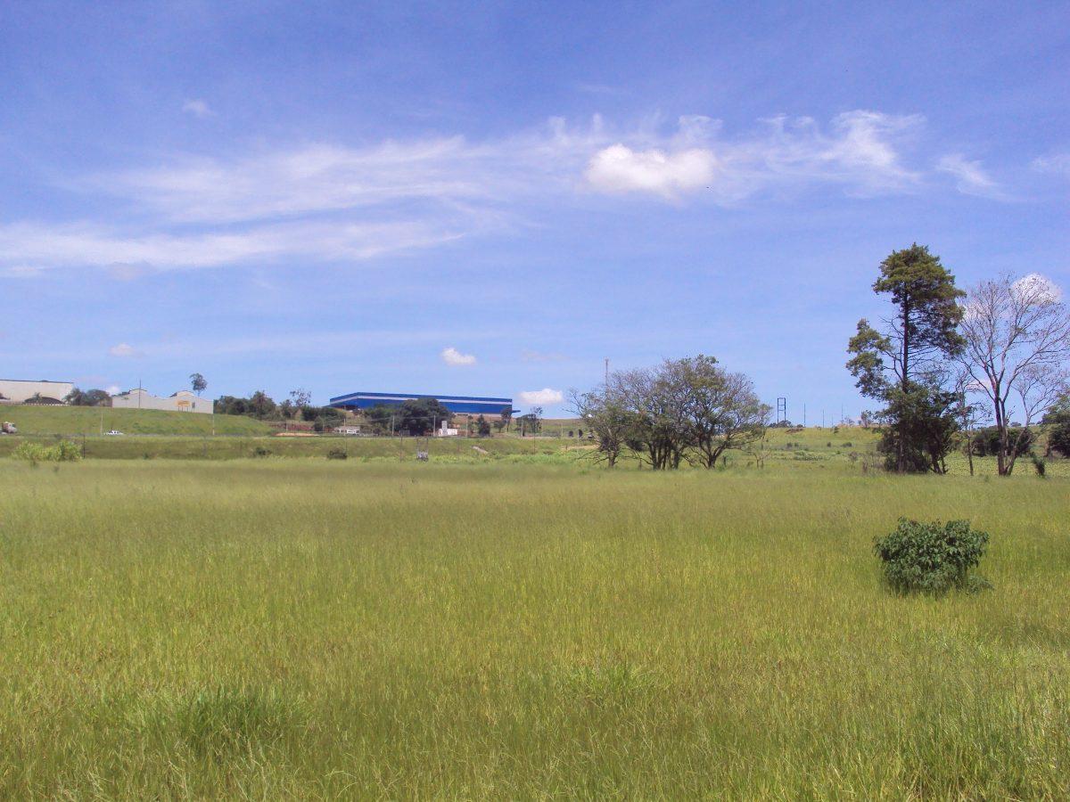 jarinu sp área 106.000 m² industrial. ac/veículos