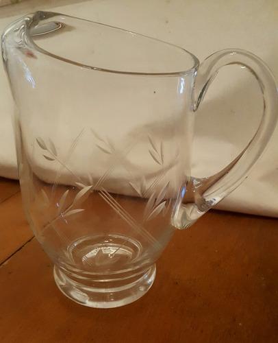 jarra antigua de cristal tallado