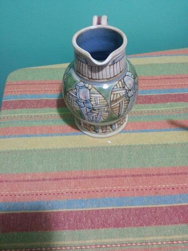 jarra de ceramica del carrito.