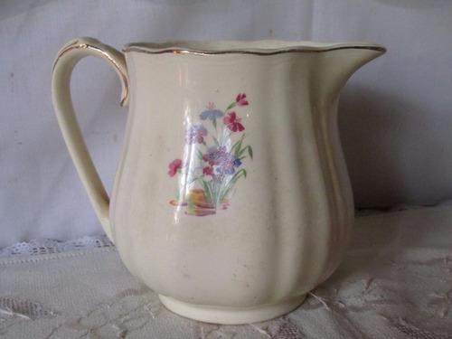 jarra de cerámica inglesa