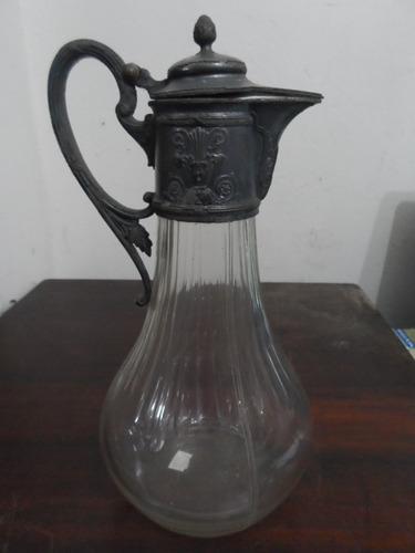 jarra de cristal com boca de estanho