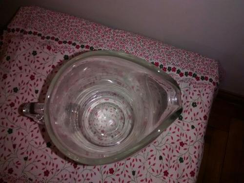 jarra de cristal finísima tallado en base