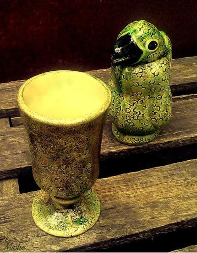 jarra de vino vintage. pinguino de cerámica. artesanal.