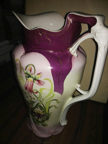 jarra grande antigua de porcelana