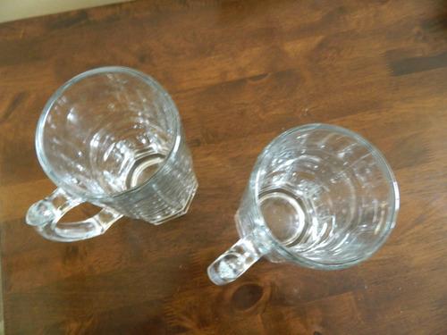 jarras de cerveza de vidrio