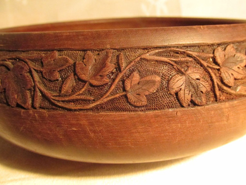 jarrita y centro de madera tallada