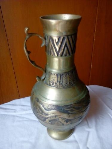 jarrón arabe beduino de  bronce