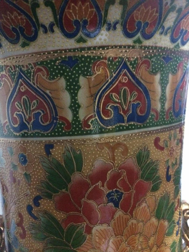 jarrón chino color oro