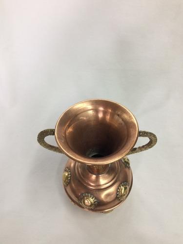 jarrón en cobre decorado soles bronce