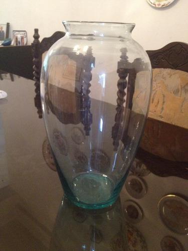 jarrón o florero de vidrio