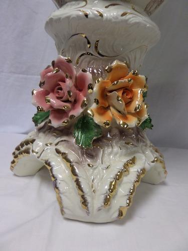 jarrón victoriano con asas de loza