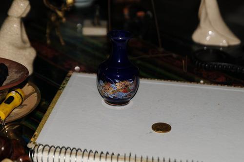 jarroncito azul cobalto exelente estado adorno vitrina !!!