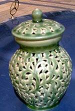 jarroncito de porcelana chino antiguo ex embajada. color