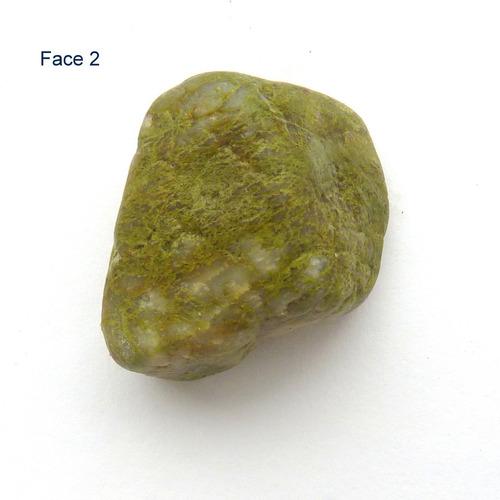 jaspe vermelho, epídoto e arenito com basalto 5352