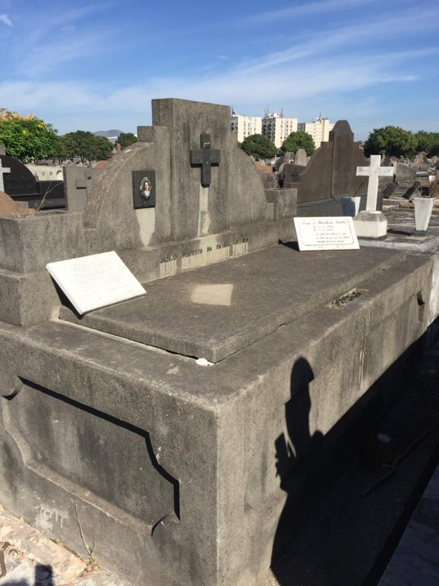 jazigo perpetuo no cemitério são francisco xavier - caju