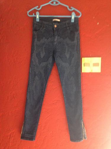 jean azul con animal print