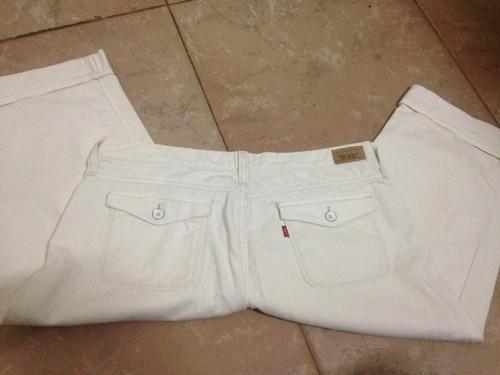 jeans blanco corte capri para dama marca levis 545