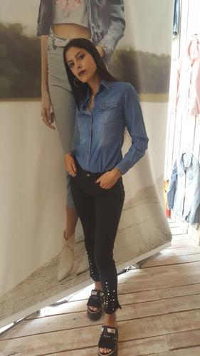 jeans bordado con perlas negro