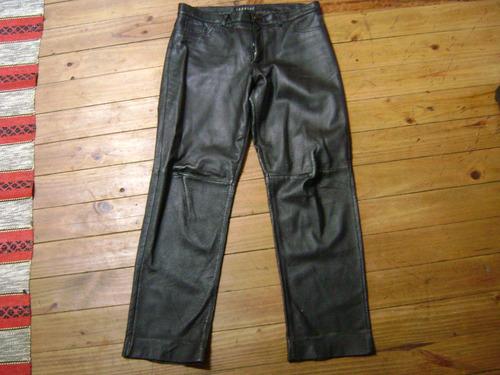 jeans cuero negro
