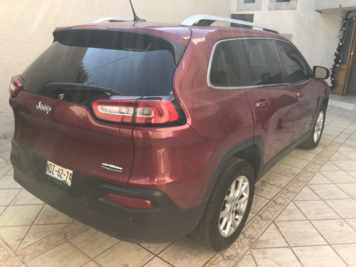 jeep cherokee 2.4 latitude mt