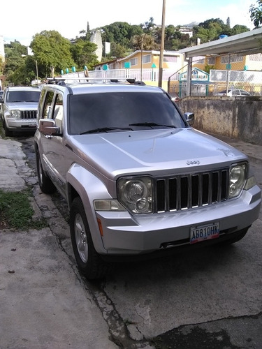 jeep cherokee 4x4 limited 2009