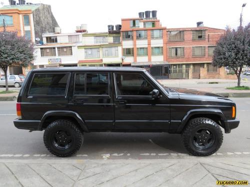 jeep cherokee laredo mt 4x4 4000cc