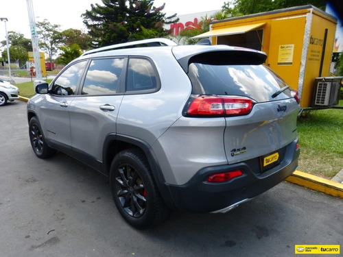 jeep cherokee limited at 3200cc 4x4