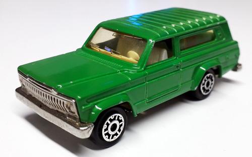 jeep cherokee  - majorette (france) escala 1/64 aprox