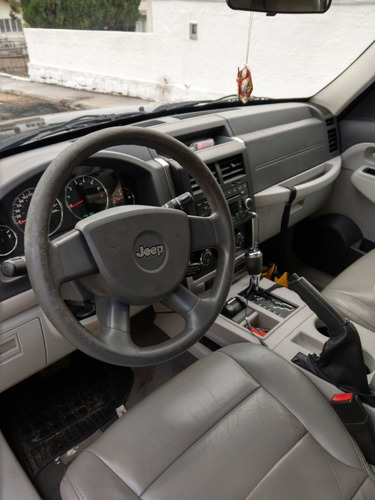 jeep cherokee sport 2008 v6 4.0 4 portas gasolina automático