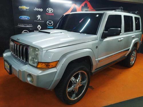 jeep commander .