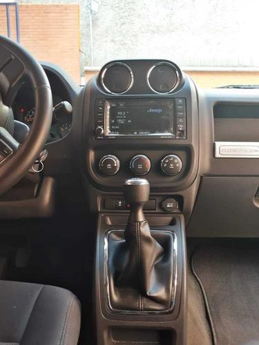 jeep compass 2.4 latitud 5vel 5vel 4x2 mt 2014