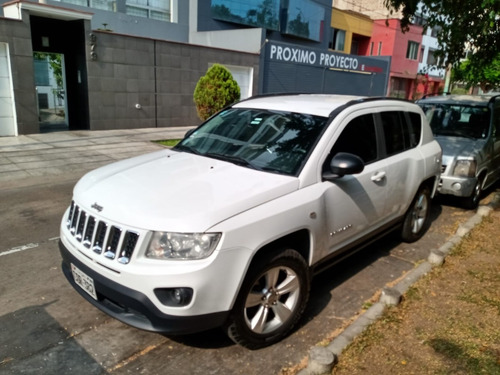 jeep compass, 4x4 , gasolina y glp, 15,000, km. 115000 negoc