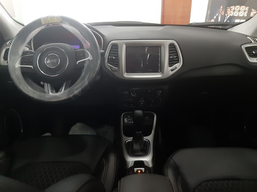 jeep compass longitud plus 2020