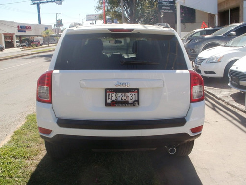 jeep compass sport 2013.