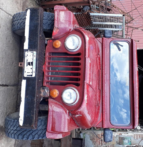 jeep en buén estado motor ford 221
