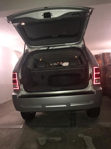 jeep gran cherokee laredo  3.7 lts, 2006, 4x2