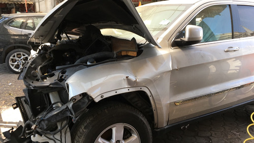 jeep grand cherokee 3.6 laredo v6 4x2 mt 2011