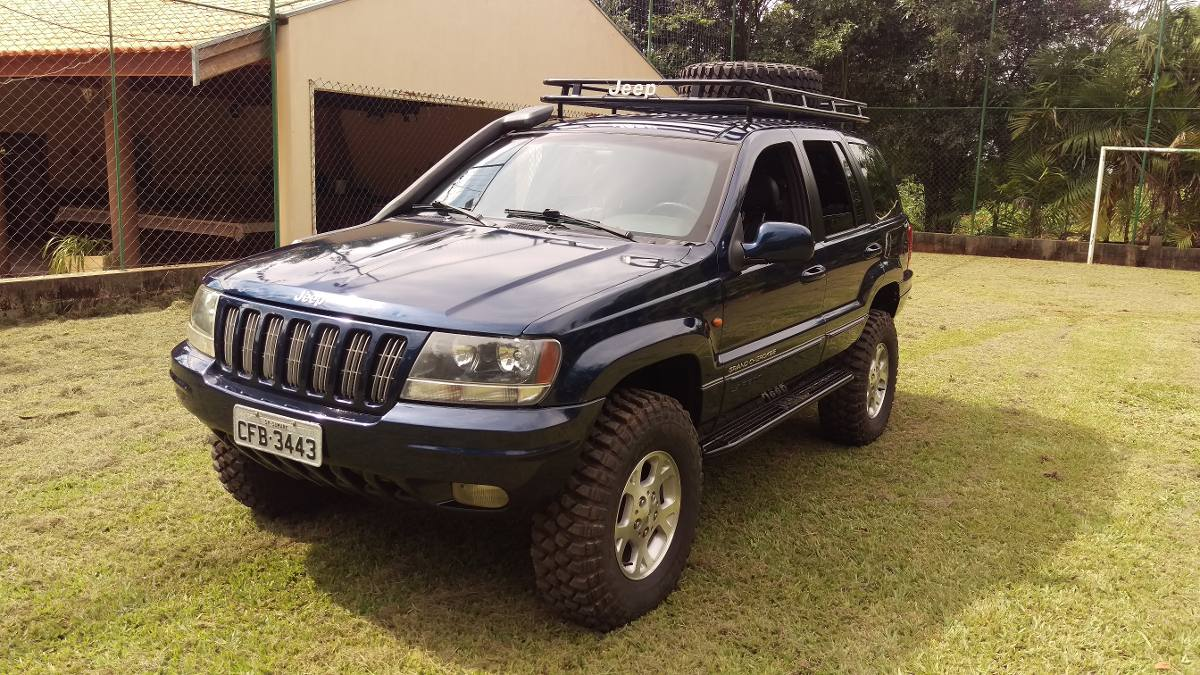Elegant Jeep Grand Cherokee Laredo 2000. Carregando Zoom.