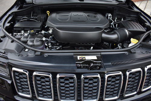 jeep grand cherokee laredo tp 3600cc 4x4