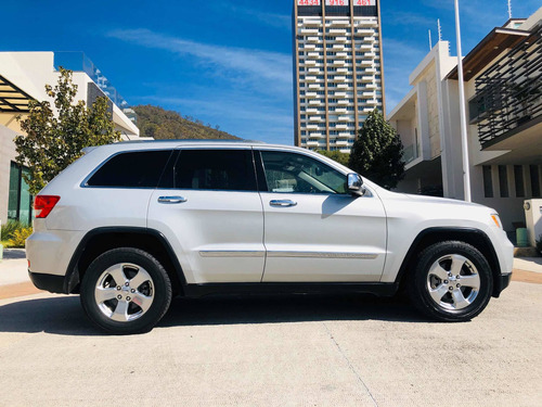 jeep grand cherokee limited v6 2011