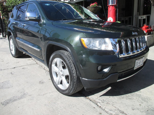 jeep grand cherokee overland 2011  v8 4x4 5.7 .premium piel