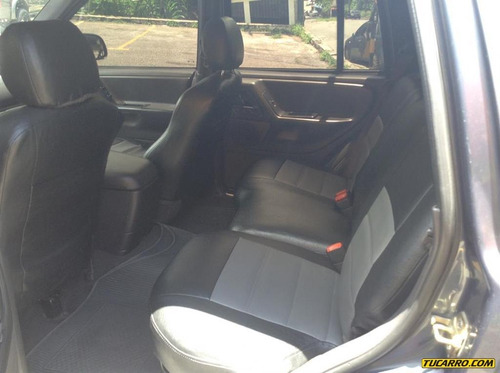 jeep grand cherokee sport wagon 4x4