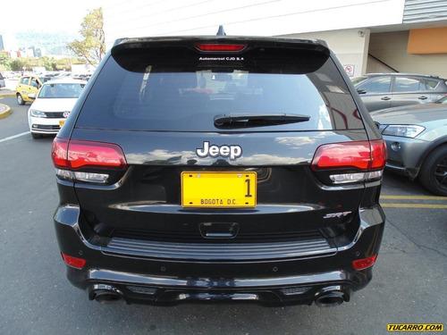 jeep grand cherokee srt 6.4 at 4x4