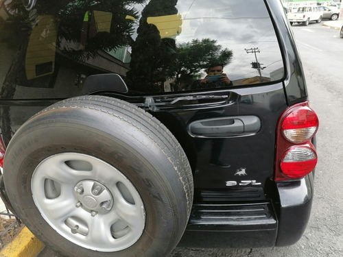 jeep liberty 3.7 limited 4x2 mt 2006
