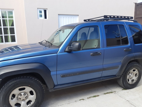 jeep liberty 3.7 sport 4x2 mt 2005