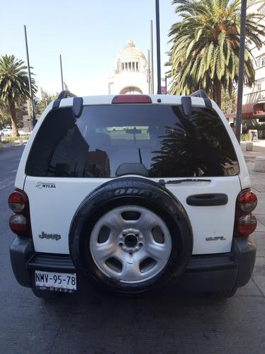 jeep liberty 3.7 sport 4x2 mt 2007