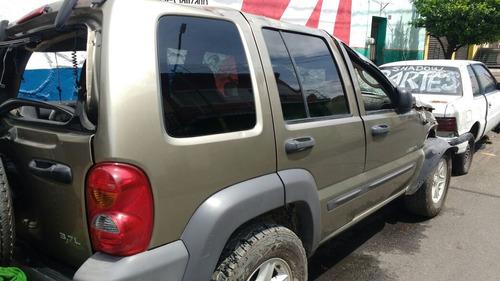 jeep liberty 4*2 automatica  2006 solo x partes