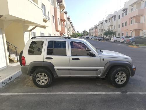 jeep liberty 4x2, 2004