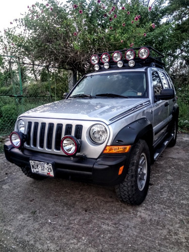 jeep liberty 4x4 renegade