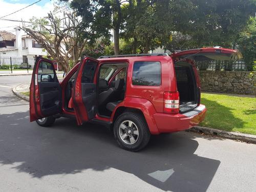 jeep liberty at full equipo cuero